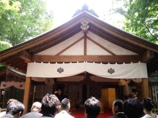 西尾さん 社殿.jpg